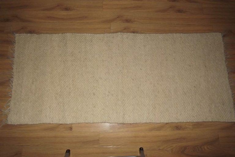Carpeta (latut) alba