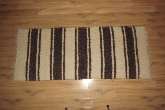 carpeta cu dungi alb si gri_1