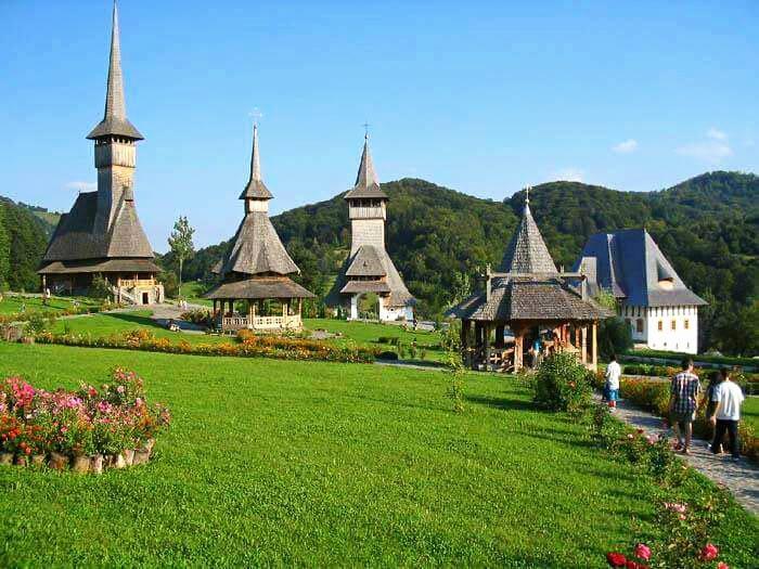 Manastirea-Barsana-vedere-de-ansamblu